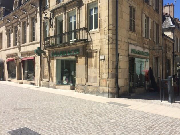 Location commerce Dijon Cushman & Wakefield
